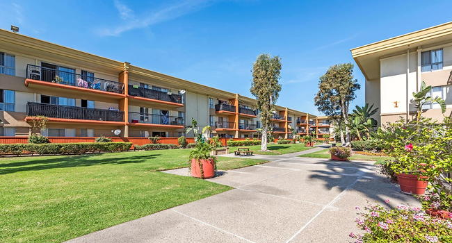 Crystal view 105 reviews garden grove ca apartments - Crystal view apartments garden grove ...