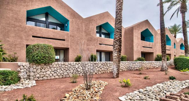 Desert Flower Apartments 36 Reviews Palm Springs Ca Apartments
