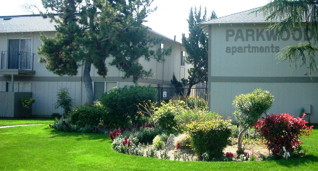 Parkwood Apartments 19 Reviews Fresno Ca Apartments For Rent