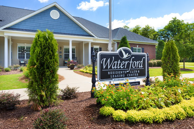 Waterford Apartments - 266 Reviews | Spring Lake, NC Apartments for