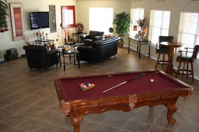 Kensington Park Apartments Reviews Springfield MO Apartments - Kensington pool table