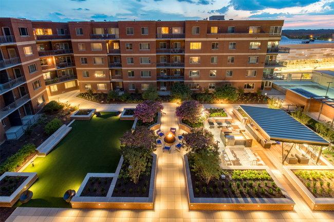 Vantage Mosaic 64 Reviews Falls Church Va Apartments For Rent Apartmentratings