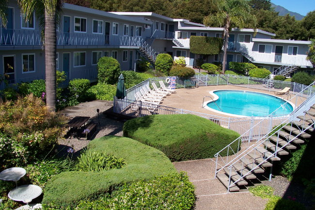 Resident Photo Of Marin Royal Apartments In Corte Madera Ca